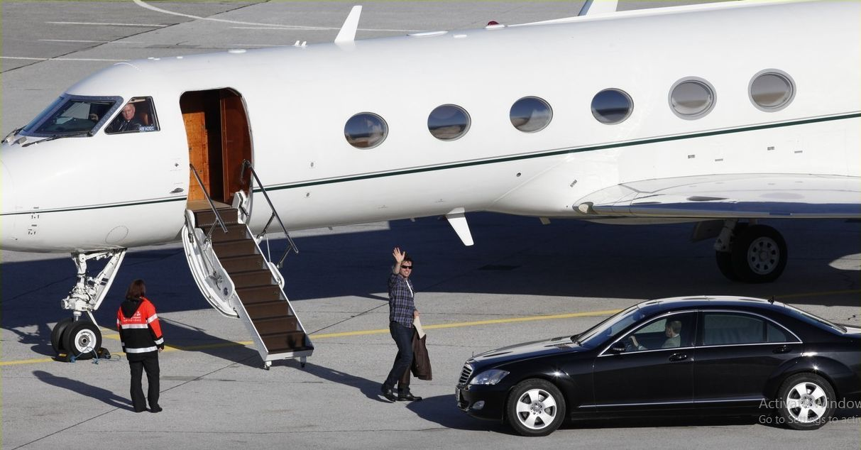 tom cruise private jet