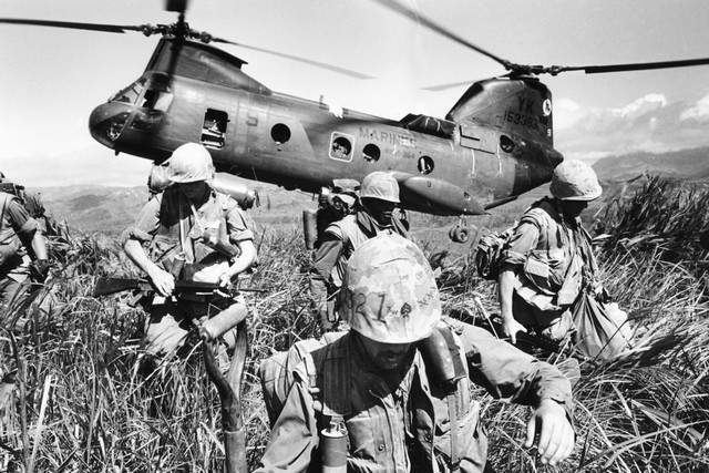 003--10-chopper-down-634186