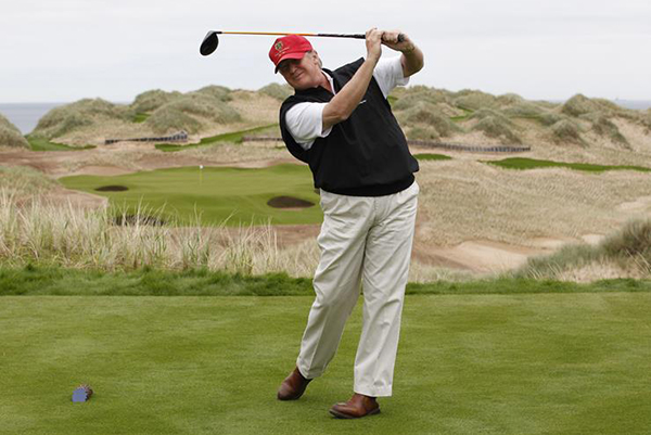 003-10-trump-s-golf-game-667137