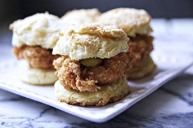 001-15-get-extra-biscuits-1033739